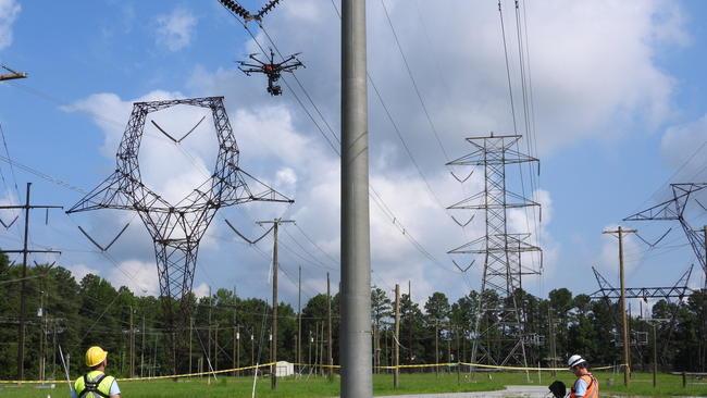 ドローンを使った送電線の点検